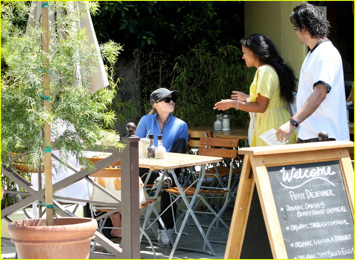 reese witherspoon lunch 071070901