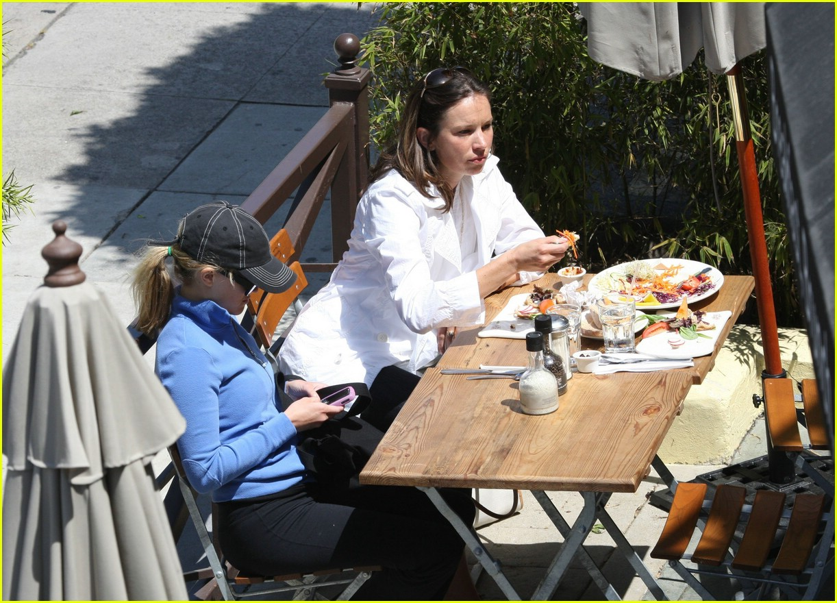reese witherspoon lunch 10