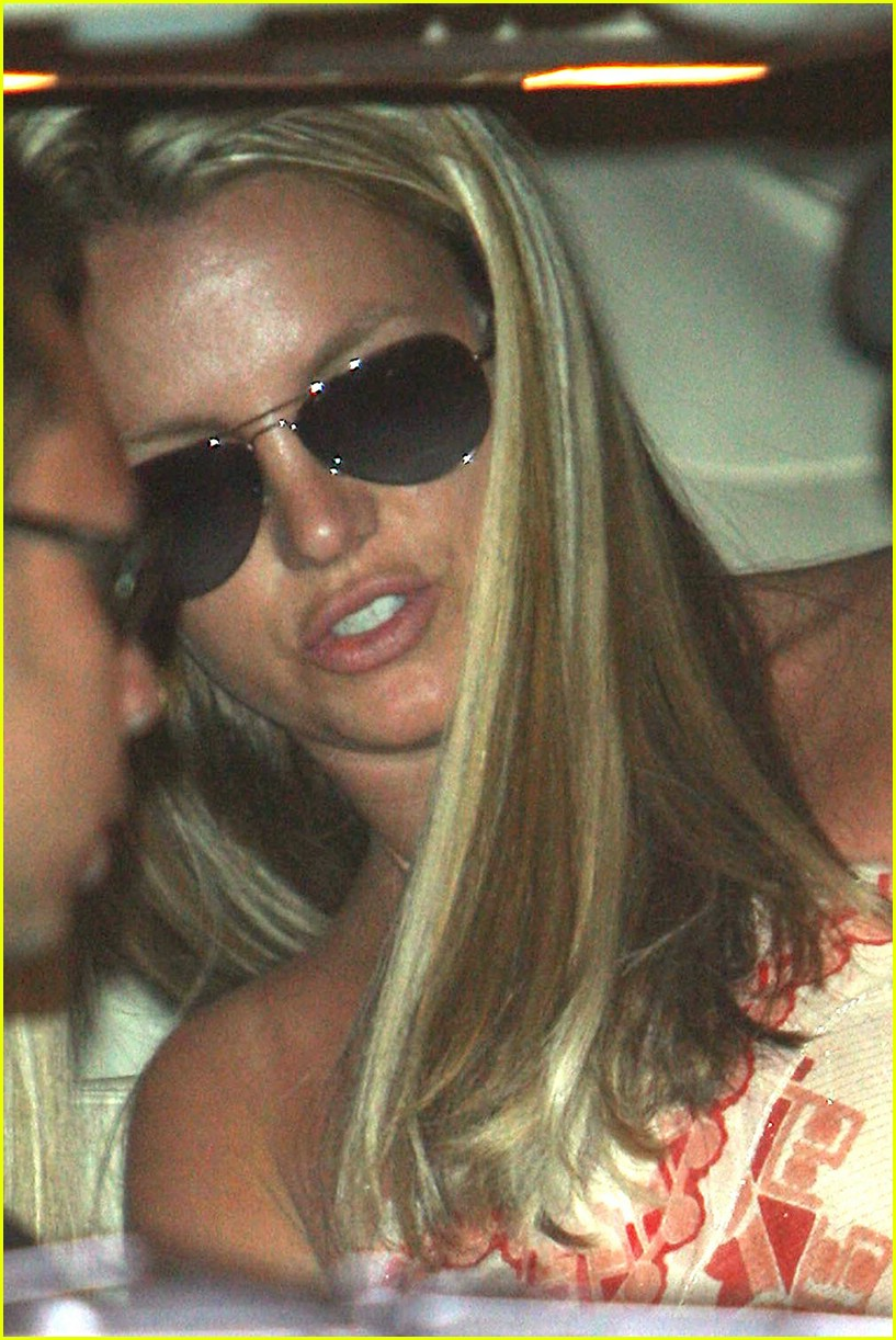 britney spears salon 181062541