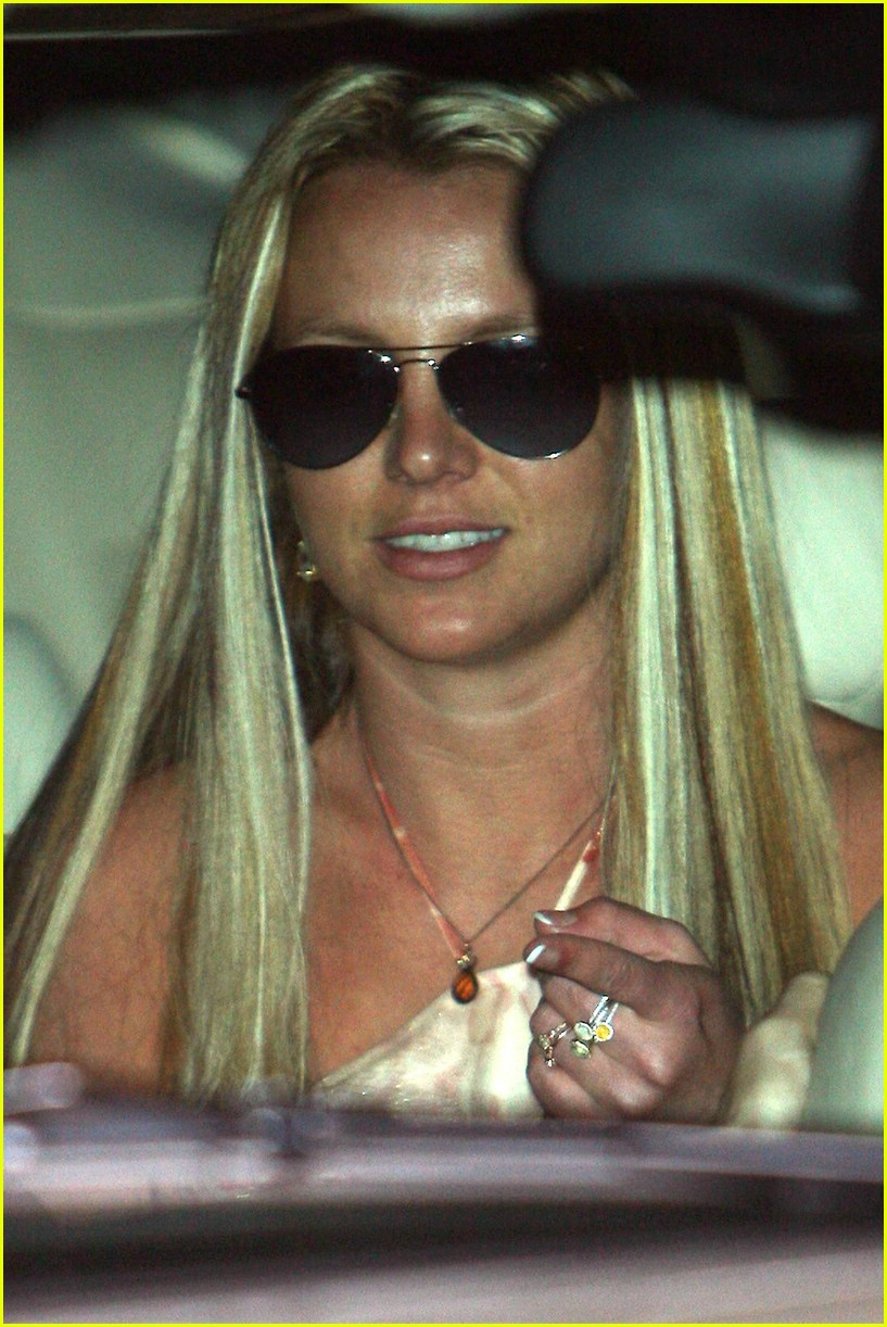 britney spears salon 191062551