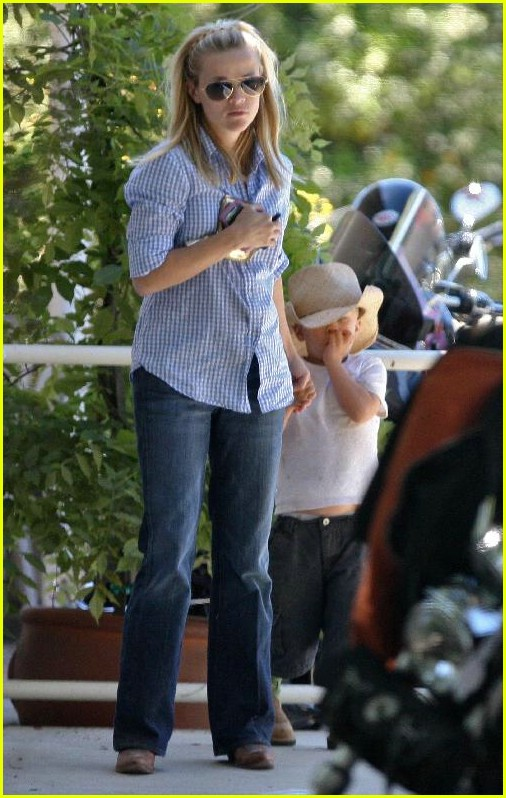 reese witherspoon ava deacon 081066211