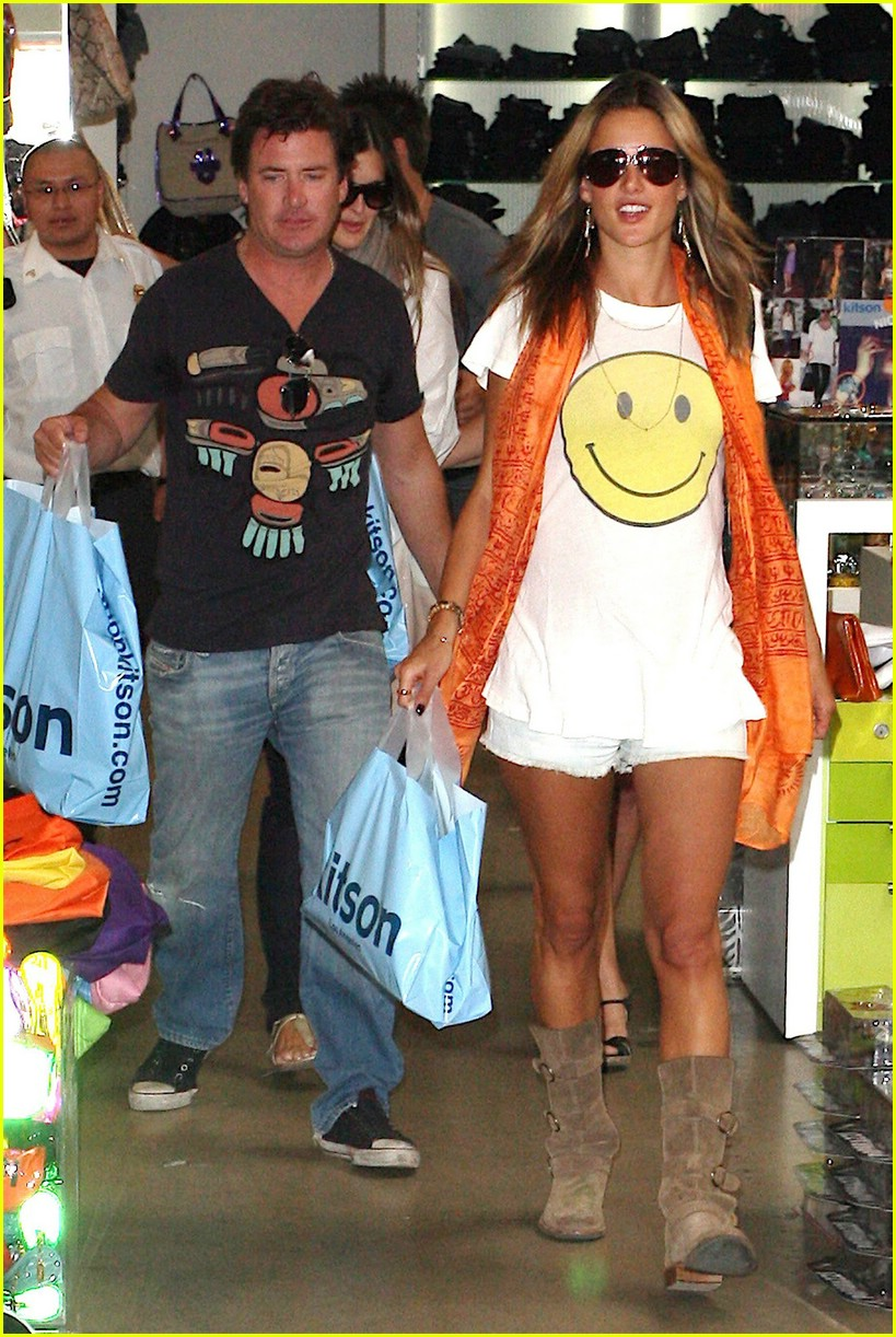 alessandra ambrosio smiley face 241106851