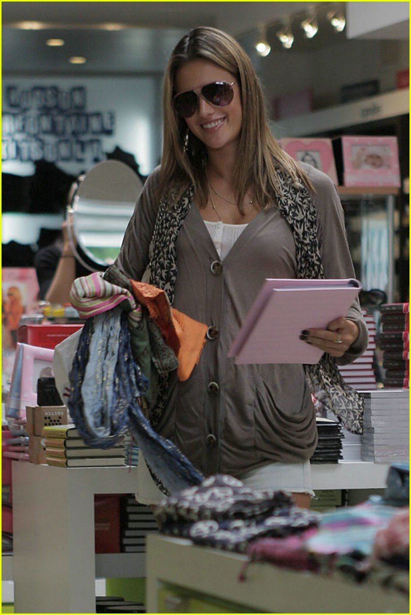 alessandra ambrosio smiley face 681107291
