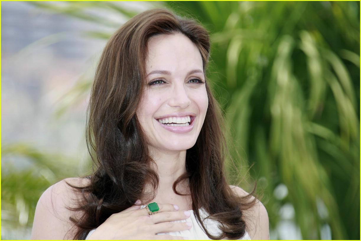 Angelina Jolie Is A Titillating Tigress Photo 1129311 Angelina