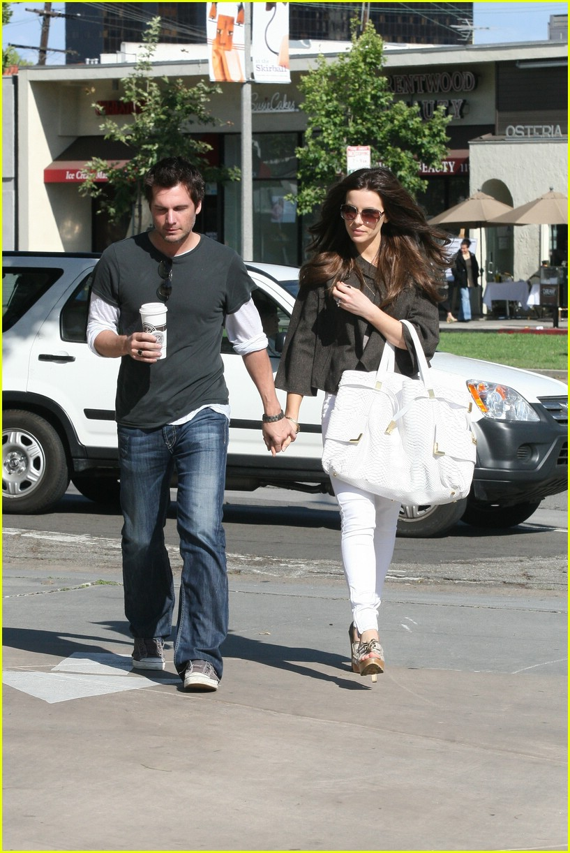 kate beckinsale starbucks star 071157161