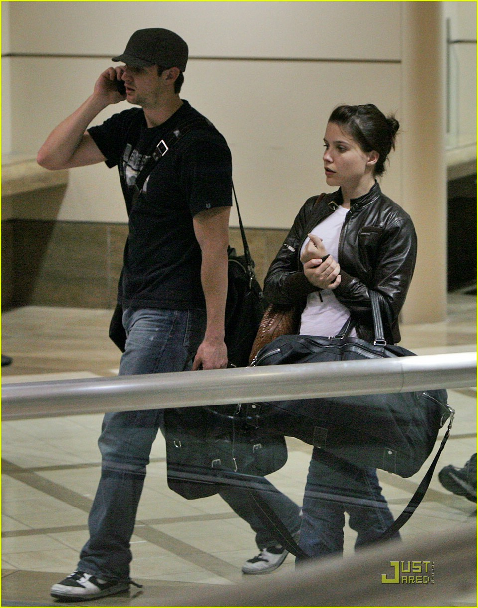 sophia bush james lafferty couple 011113551