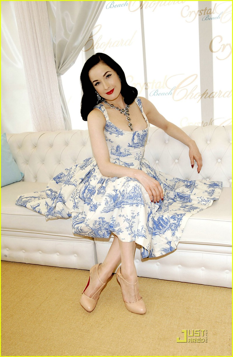 dita von teese amfar cinema against aids 051148981