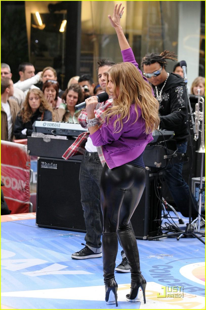 Full Sized Photo of fergie flipping 03   Photo 1141431 ... Paris Hilton
