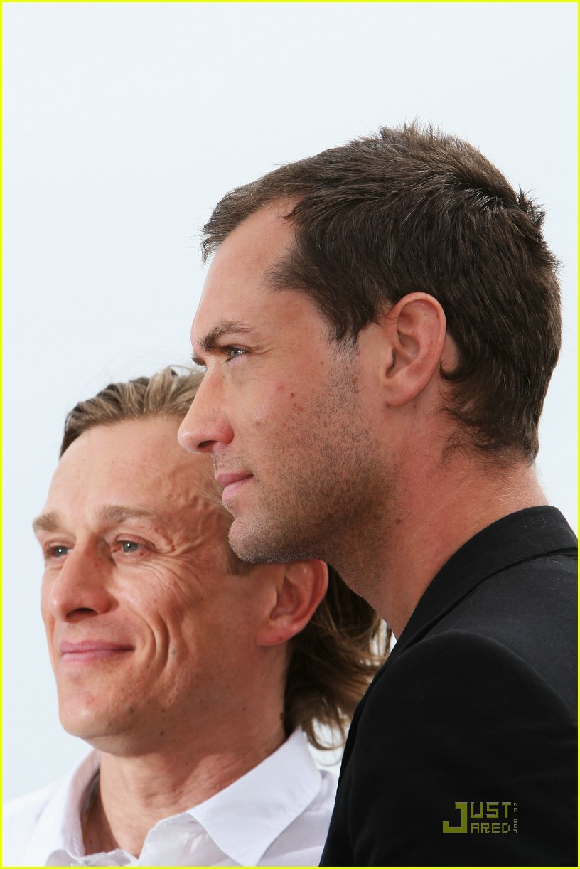 jude law cannes 051138731