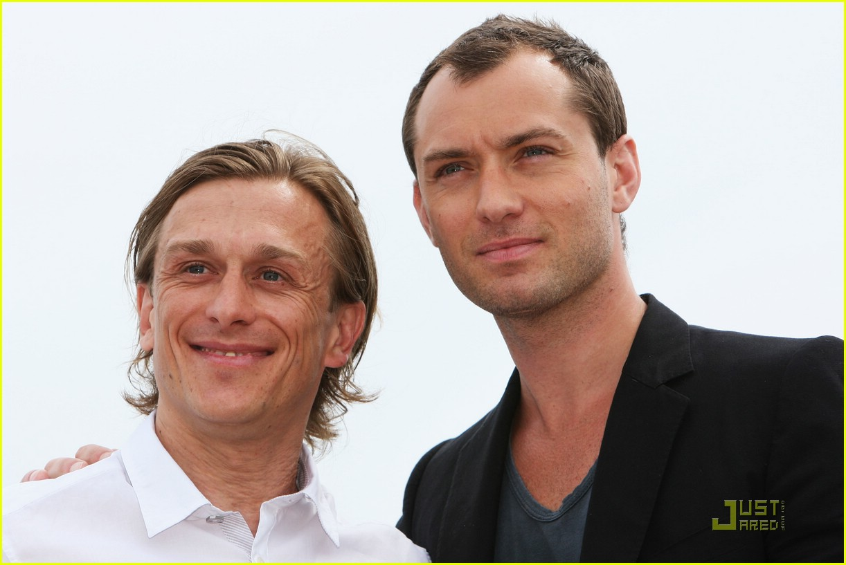 jude law cannes 31