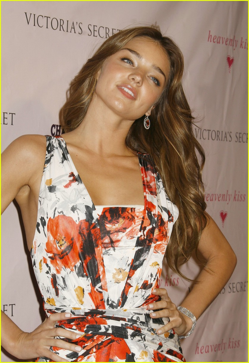 miranda kerr beautiful besos 111116061