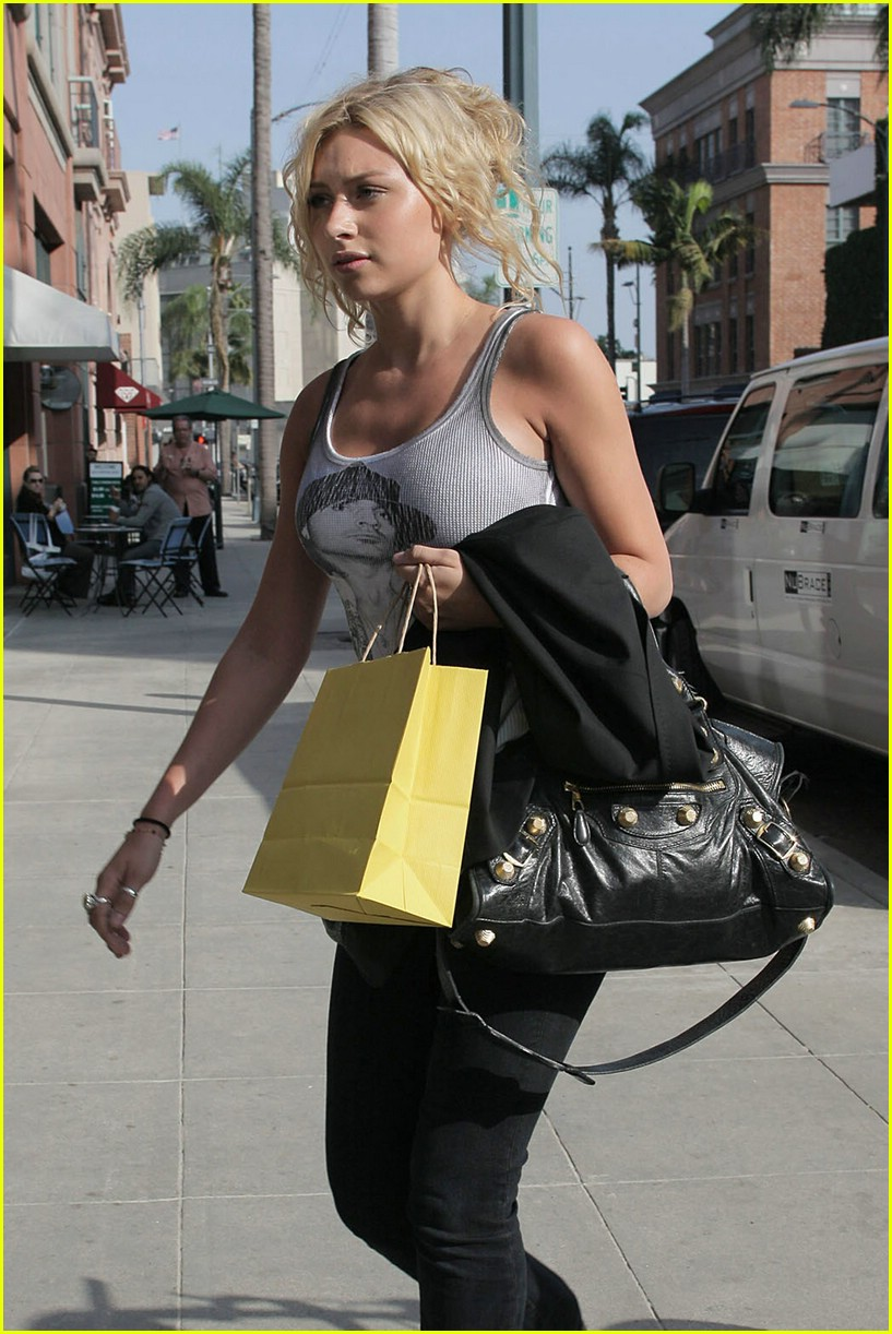 aly aj michalka shopping 271105811