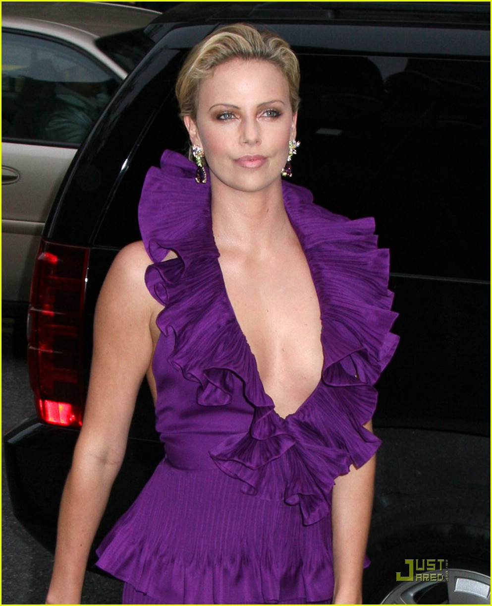 Charlize Theron is Purple Perfection: Photo 1125491 ...