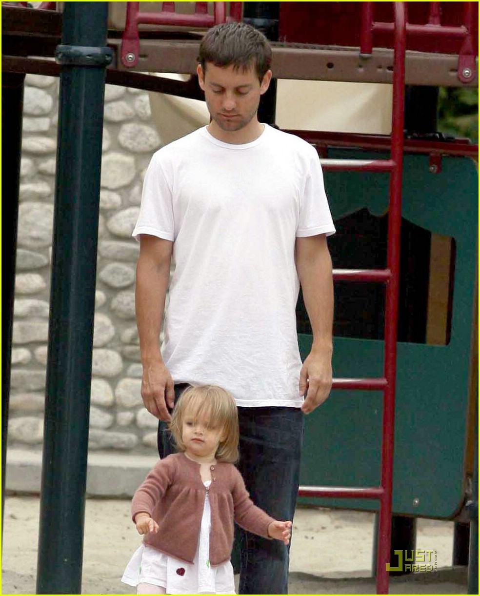 tobey maguire sweetheart sunday 081157901