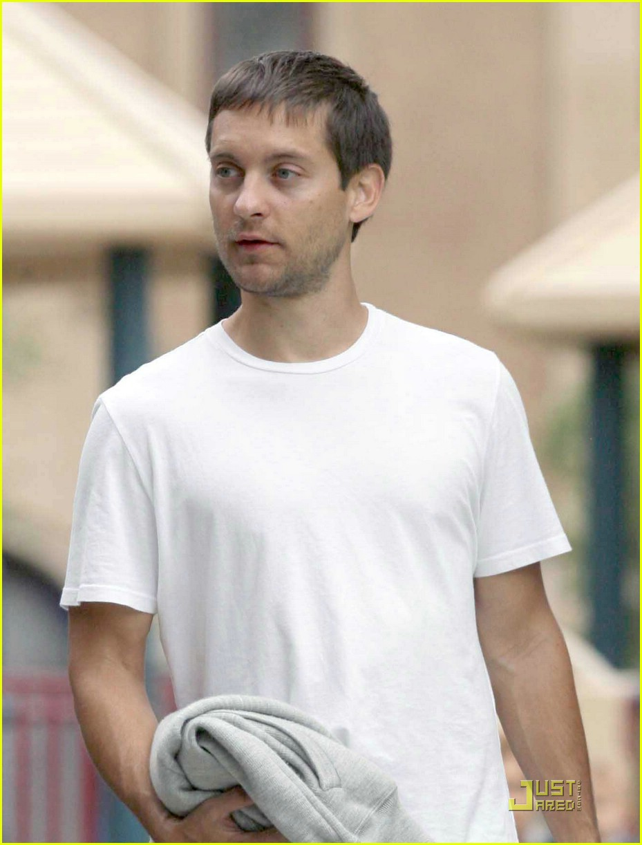 tobey maguire sweetheart sunday 111157931