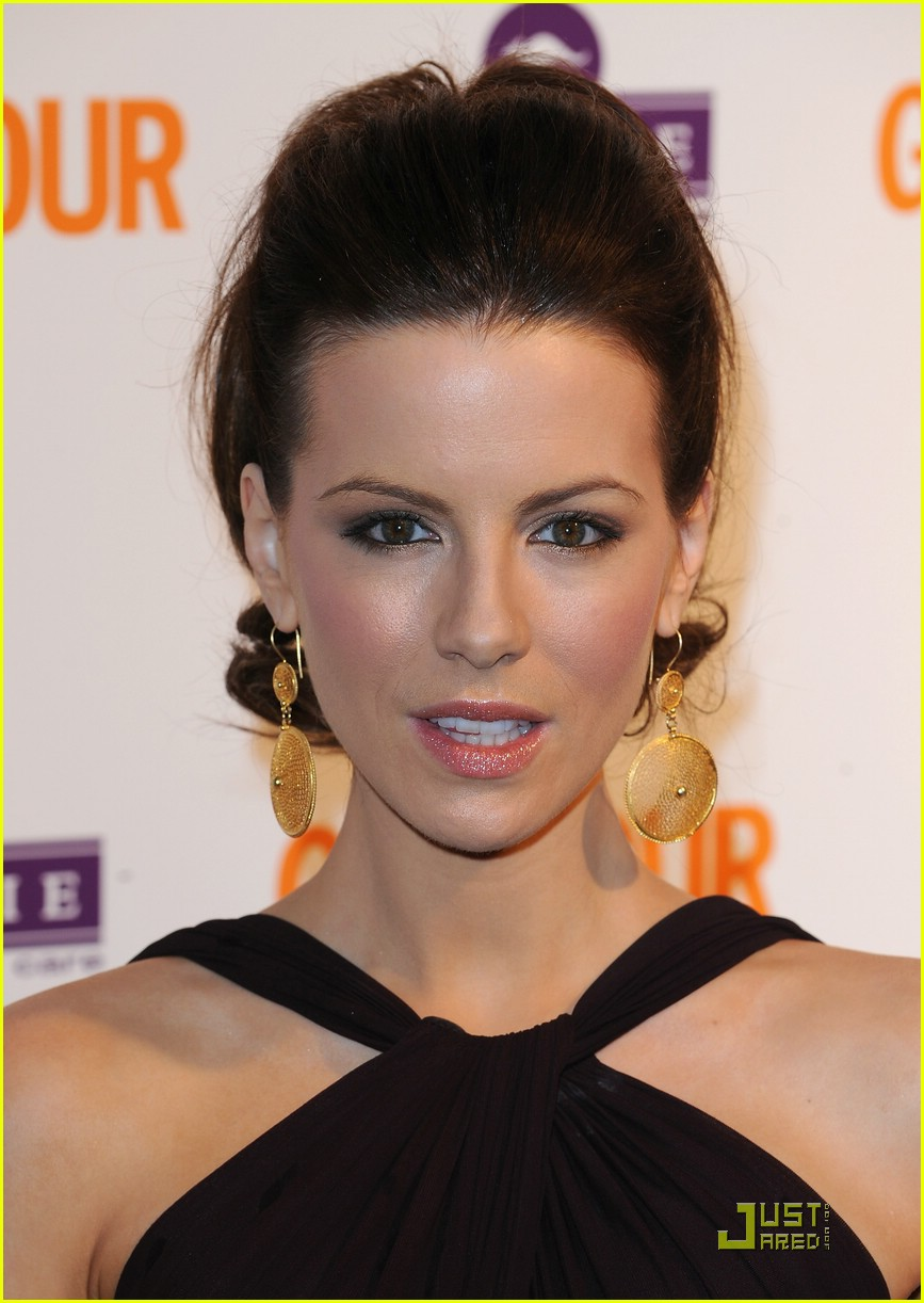 kate beckinsale glamour women of the year 011180711