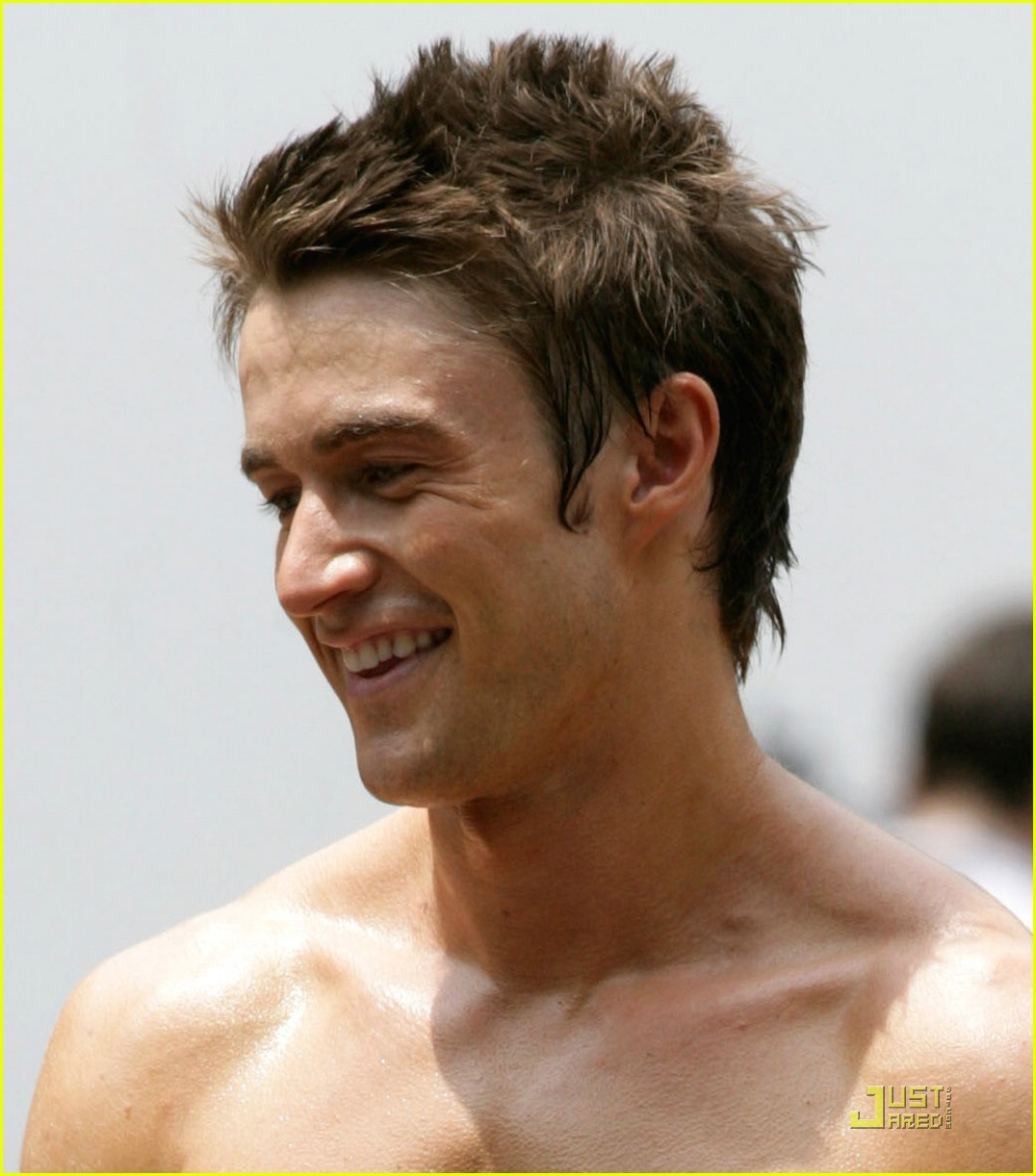robert buckley hot 19