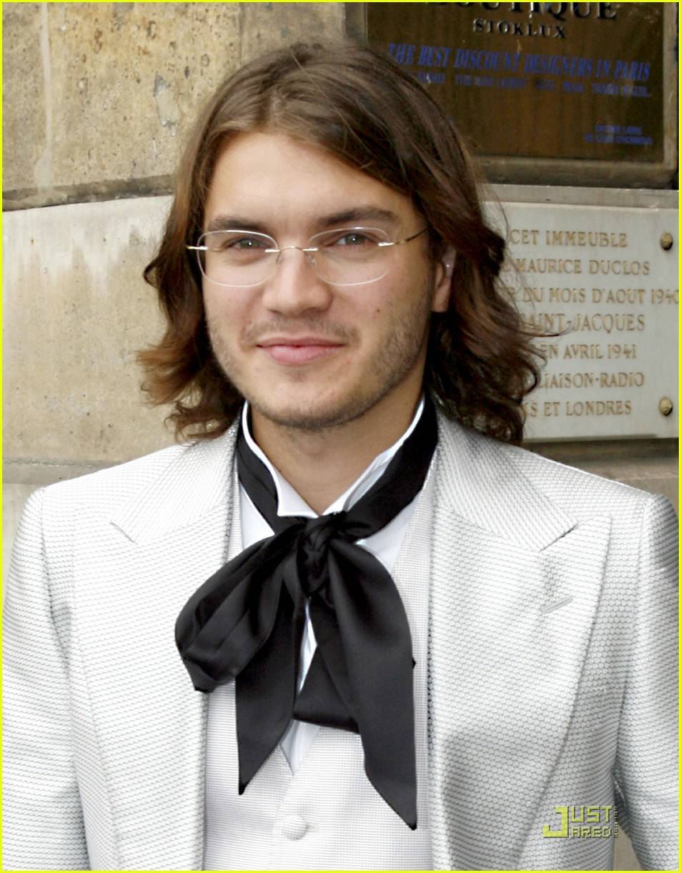 emile hirsch ribbon tie 05