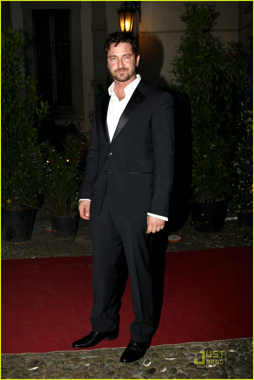 gerard butler milan fashion week 03