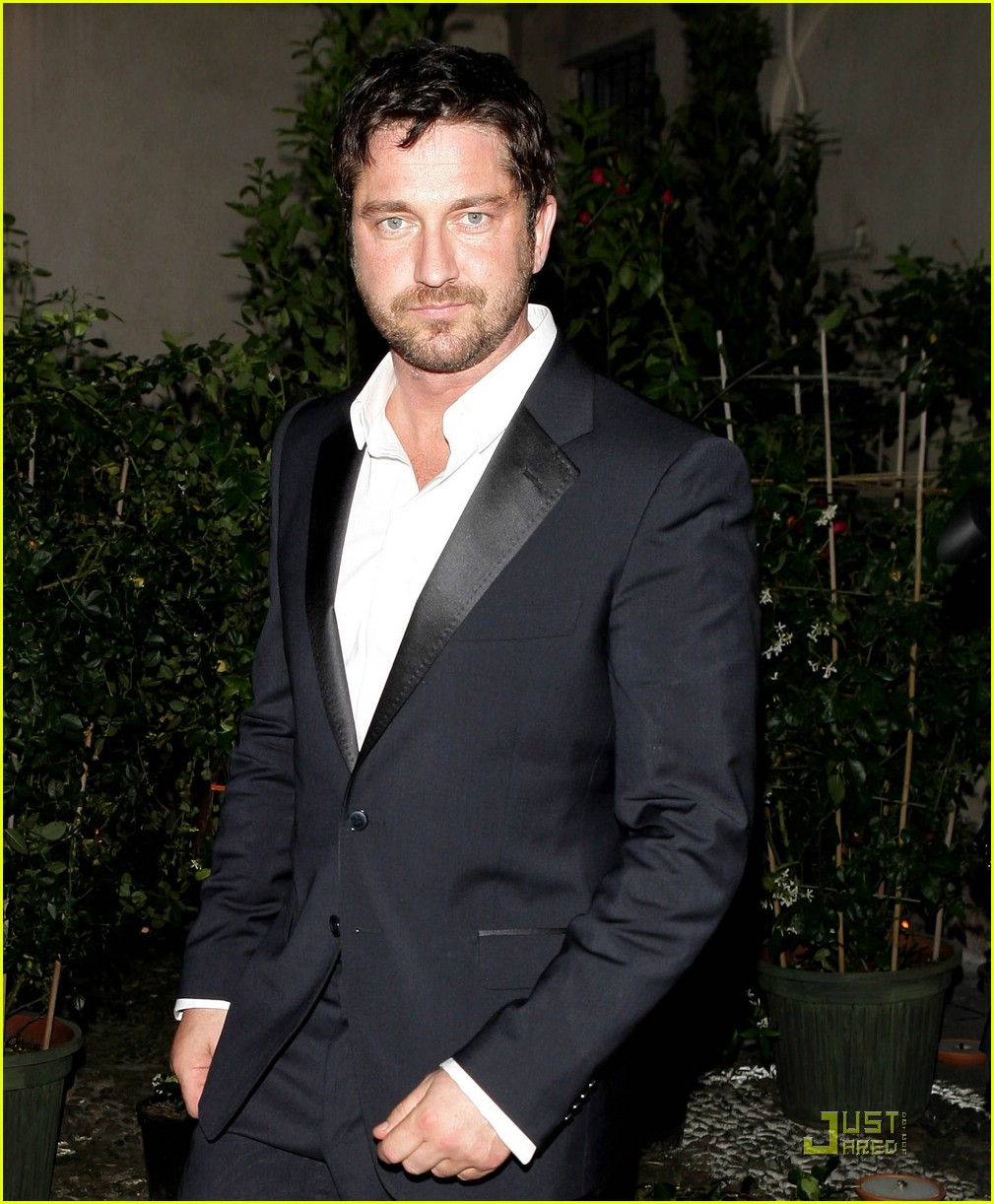 gerard butler milan fashion week 07