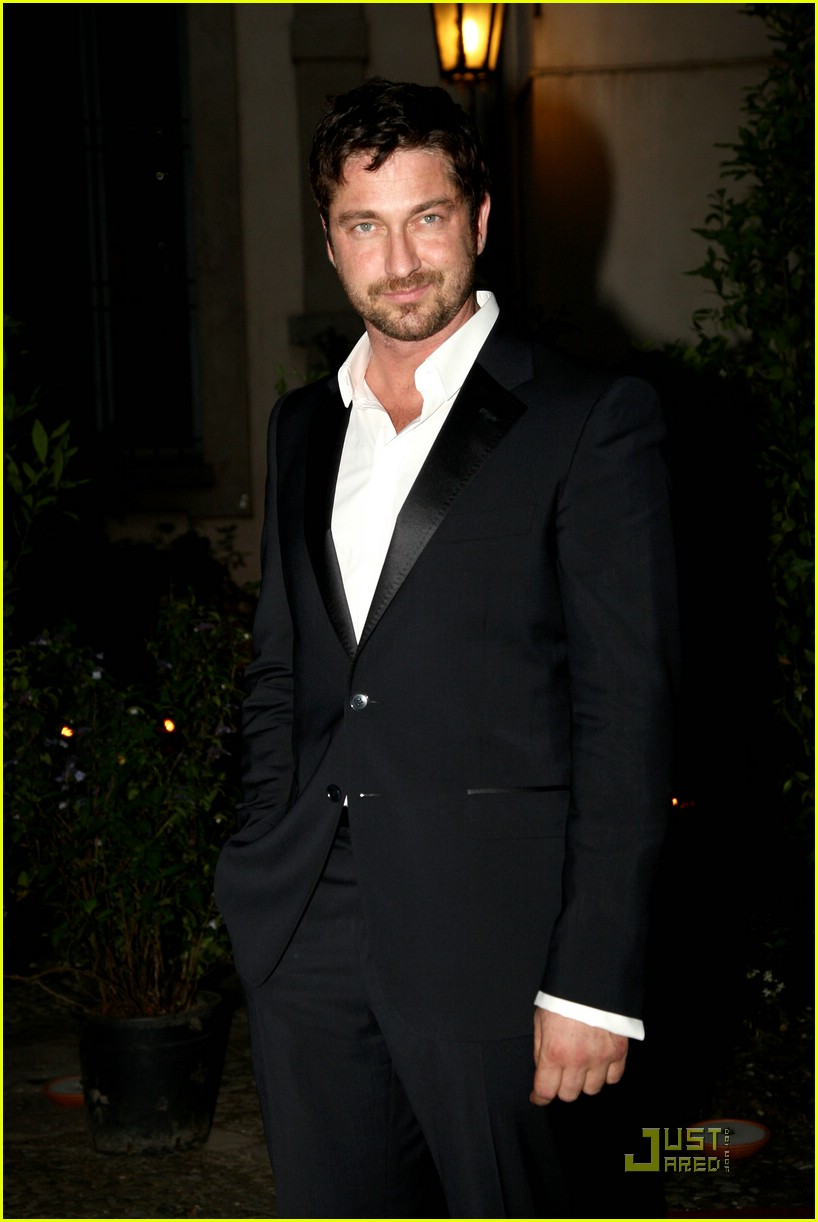 gerard butler milan fashion week 08