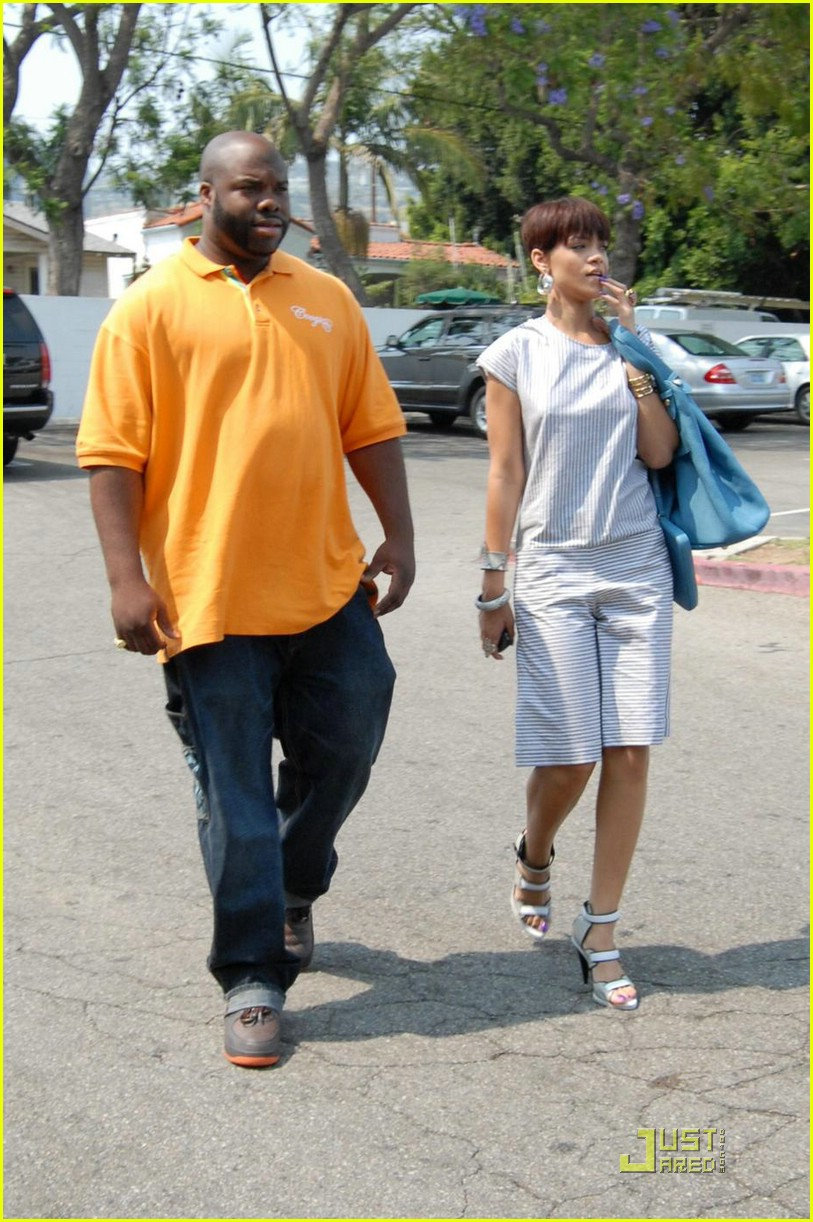 rihanna chris brown grocery shopping 02