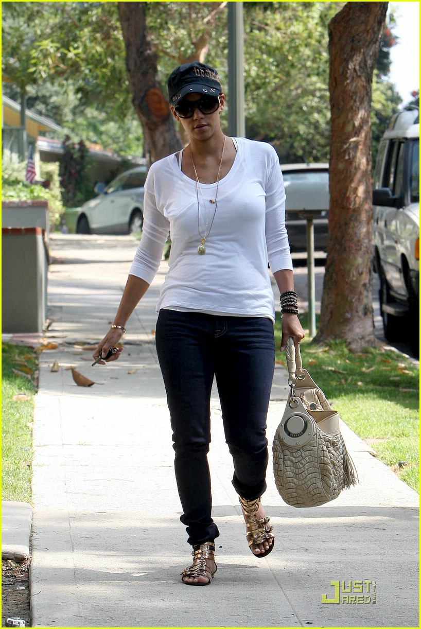 Halle Berry Is A Gladiator Girl Photo 1234731 Halle