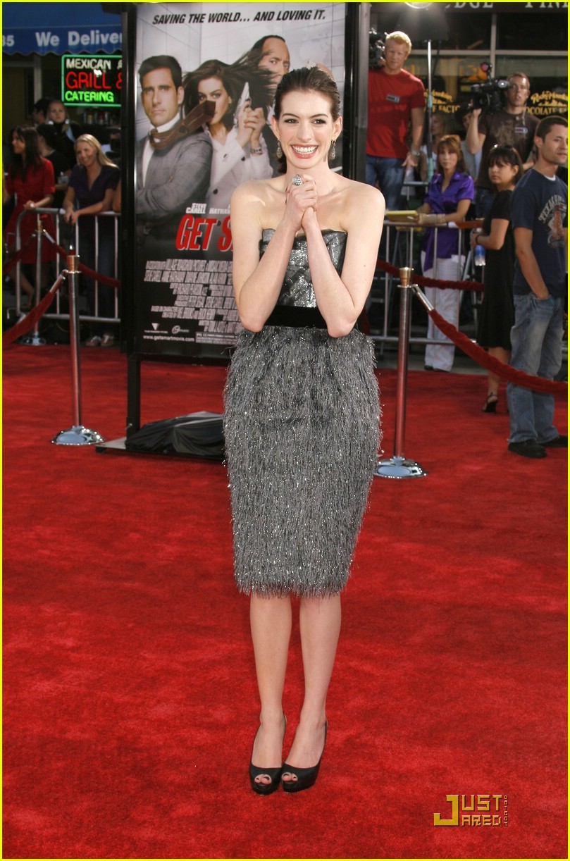 anne hathaway get smart world premiere 061206651
