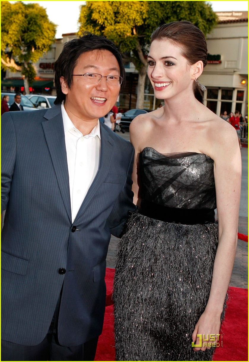 anne hathaway get smart world premiere 111206701