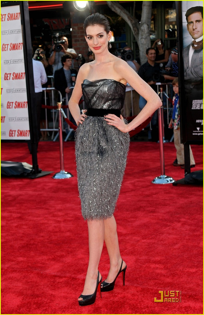 anne hathaway get smart world premiere 131206721