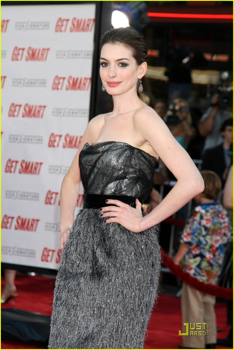 anne hathaway get smart world premiere 211206801