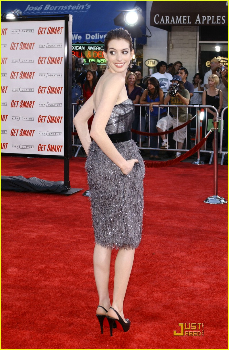 anne hathaway get smart world premiere 241206831