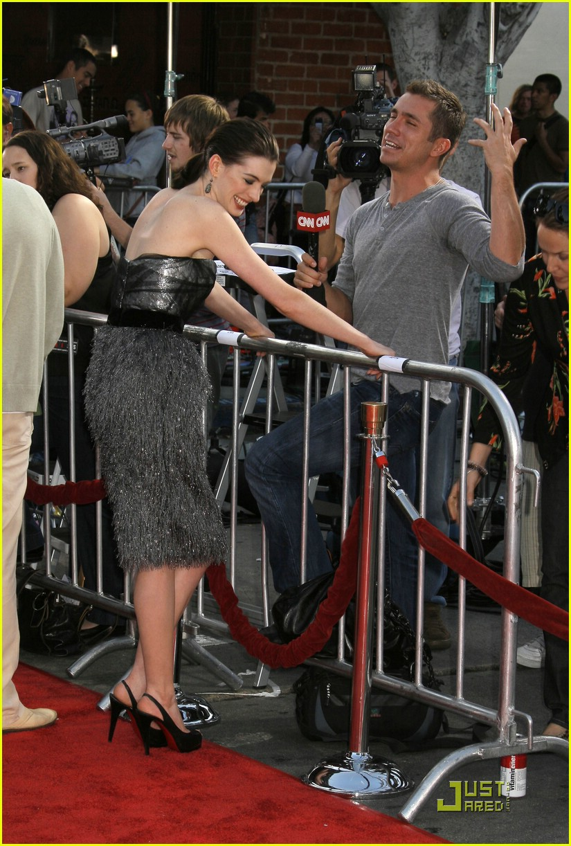 anne hathaway get smart world premiere 271206861