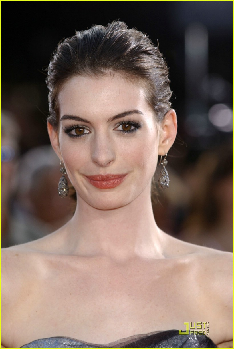 anne hathaway get smart world premiere 411207001