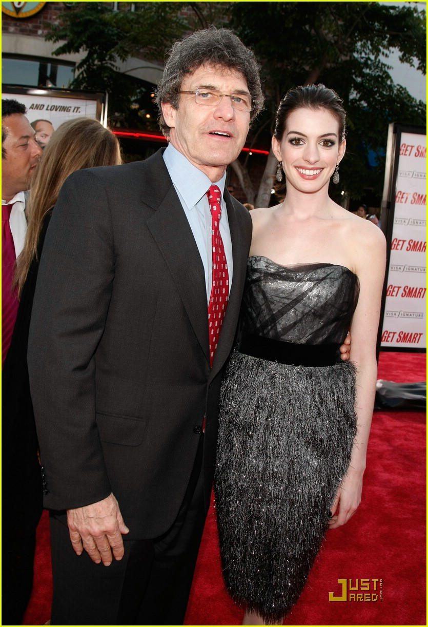 anne hathaway get smart world premiere 491207081