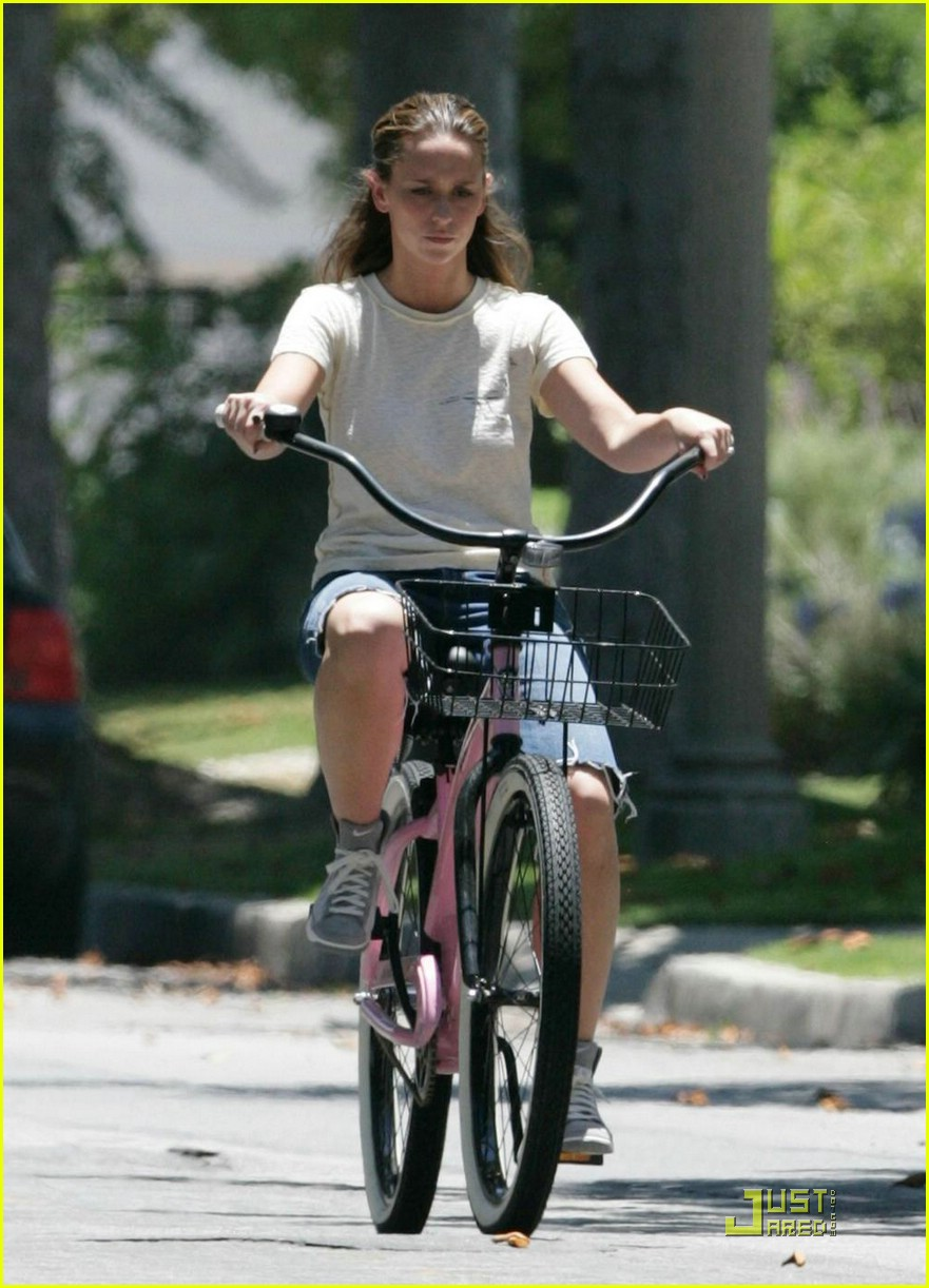 jennifer love hewitt ross mccall bicycle 03
