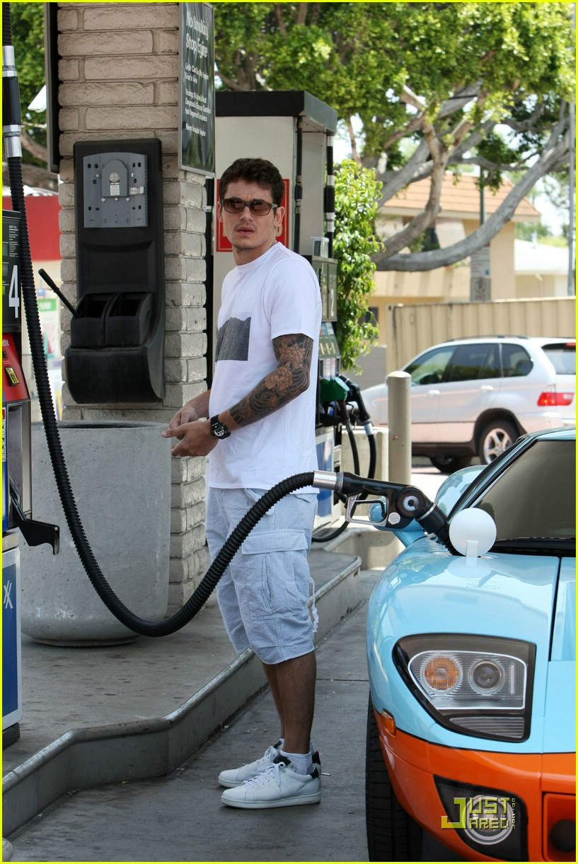 John Mayer Fires Up His Ford Gt