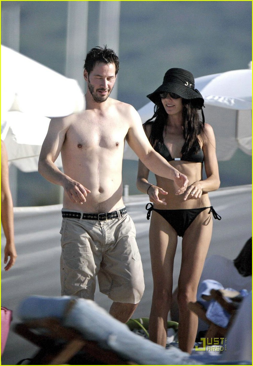 keanu reeves china chow saint tropez 171229951