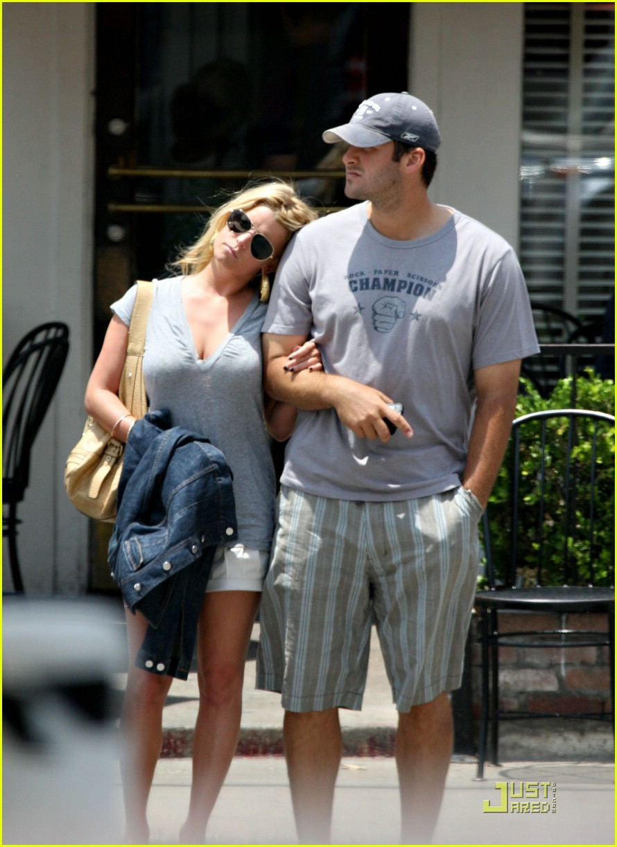 Romo and jessica simpson still dating