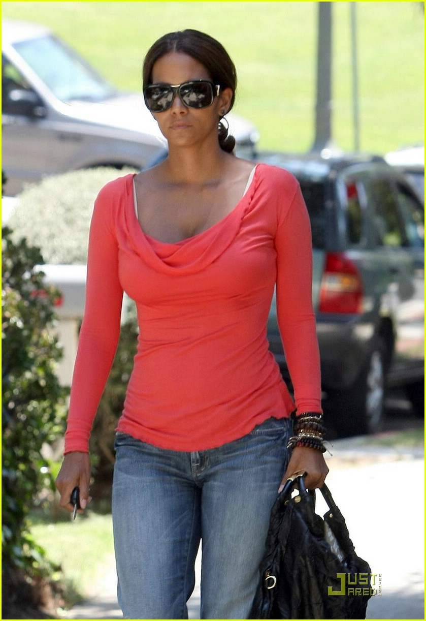 halle berry tickled pink 121296091