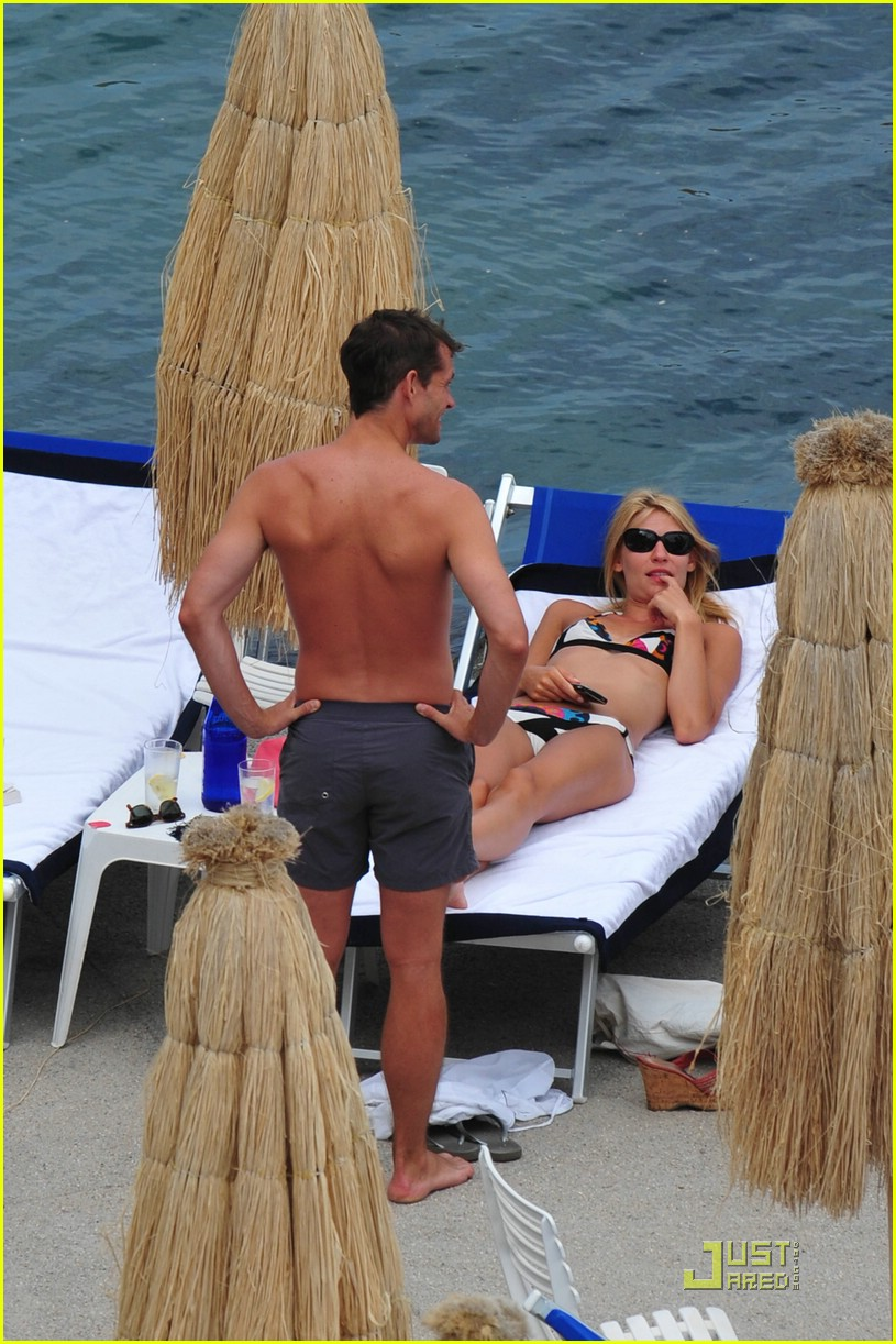 claire danes hugh dancy vacation 09