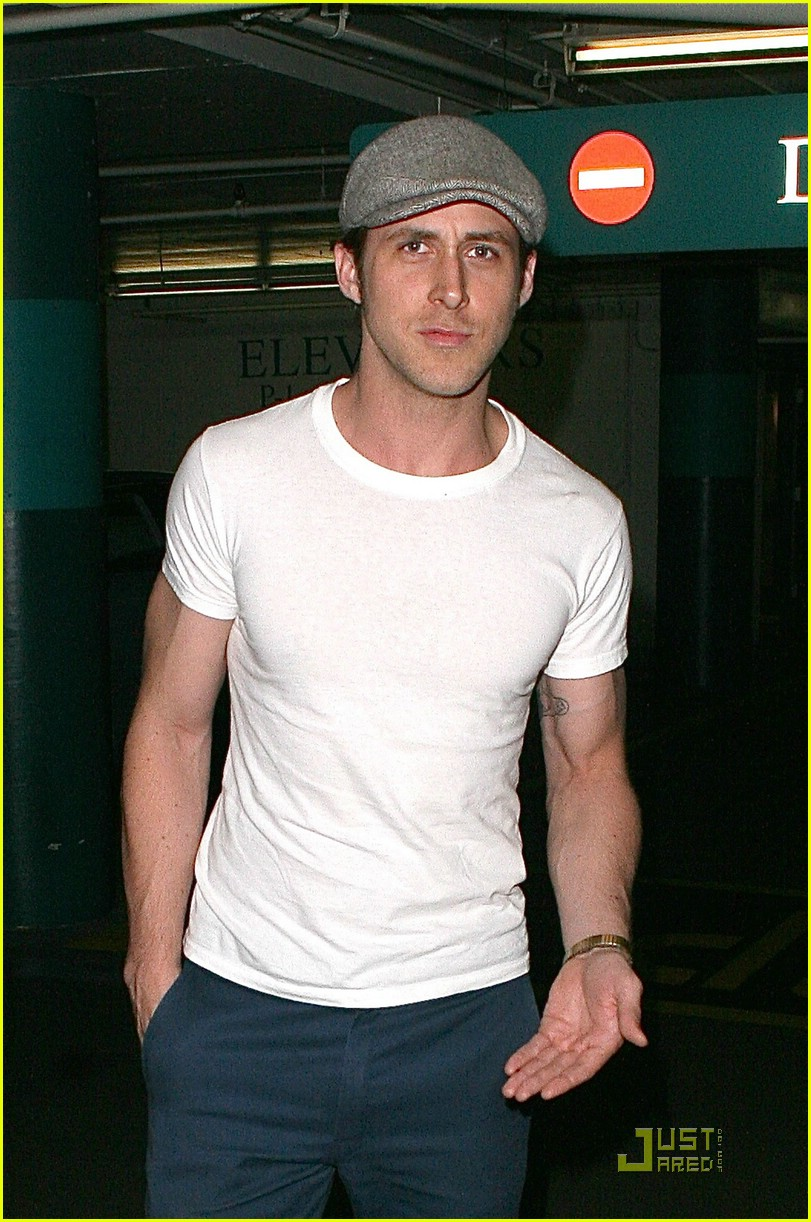 Ryan gosling has a new girlfriend photo 1251911 ryan gosling ryan gosling has a new girlfriend malvernweather Images