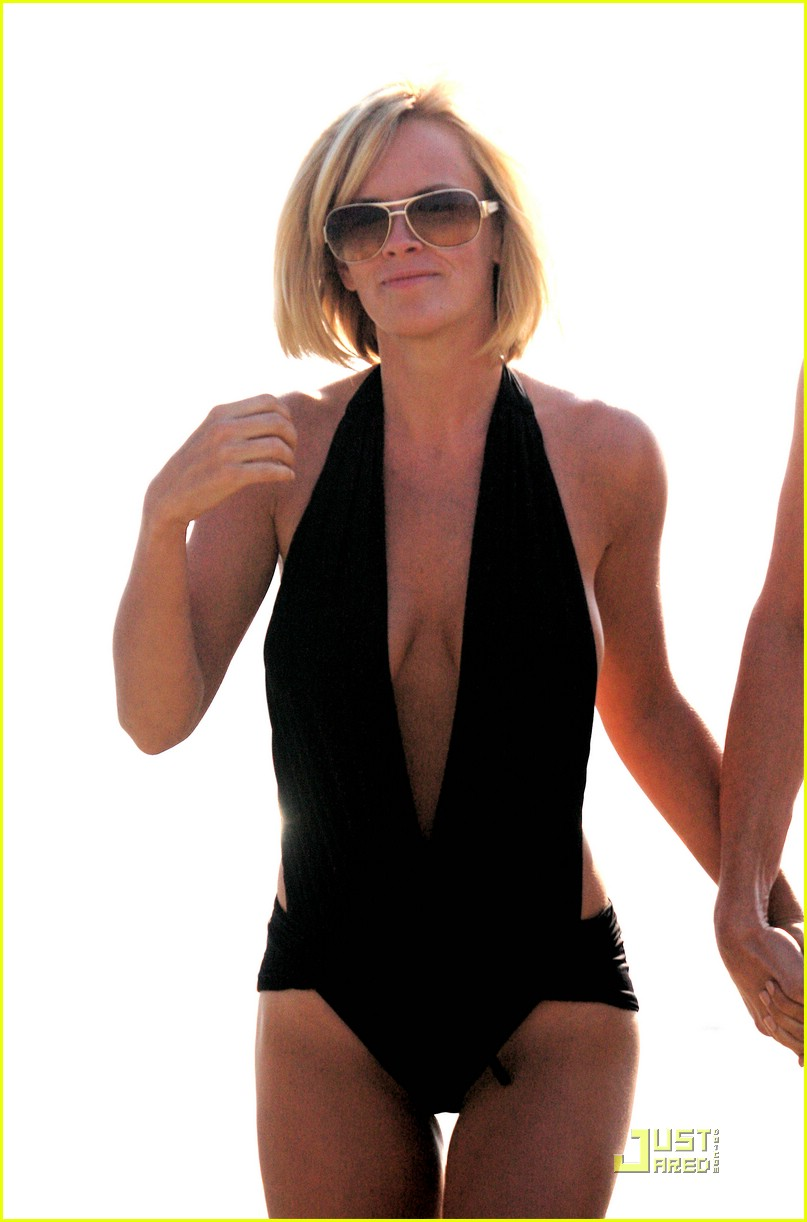 jim carrey jenny mccarthy same swimsuit 021250131