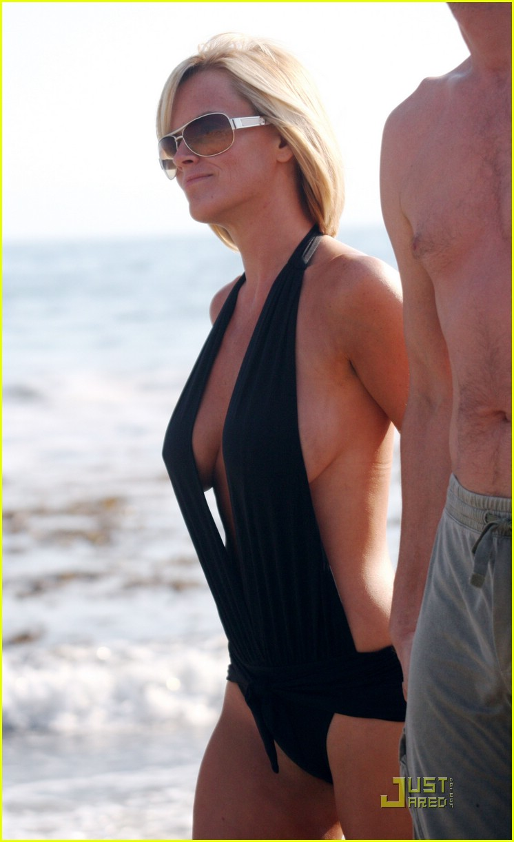 jim carrey jenny mccarthy same swimsuit 06