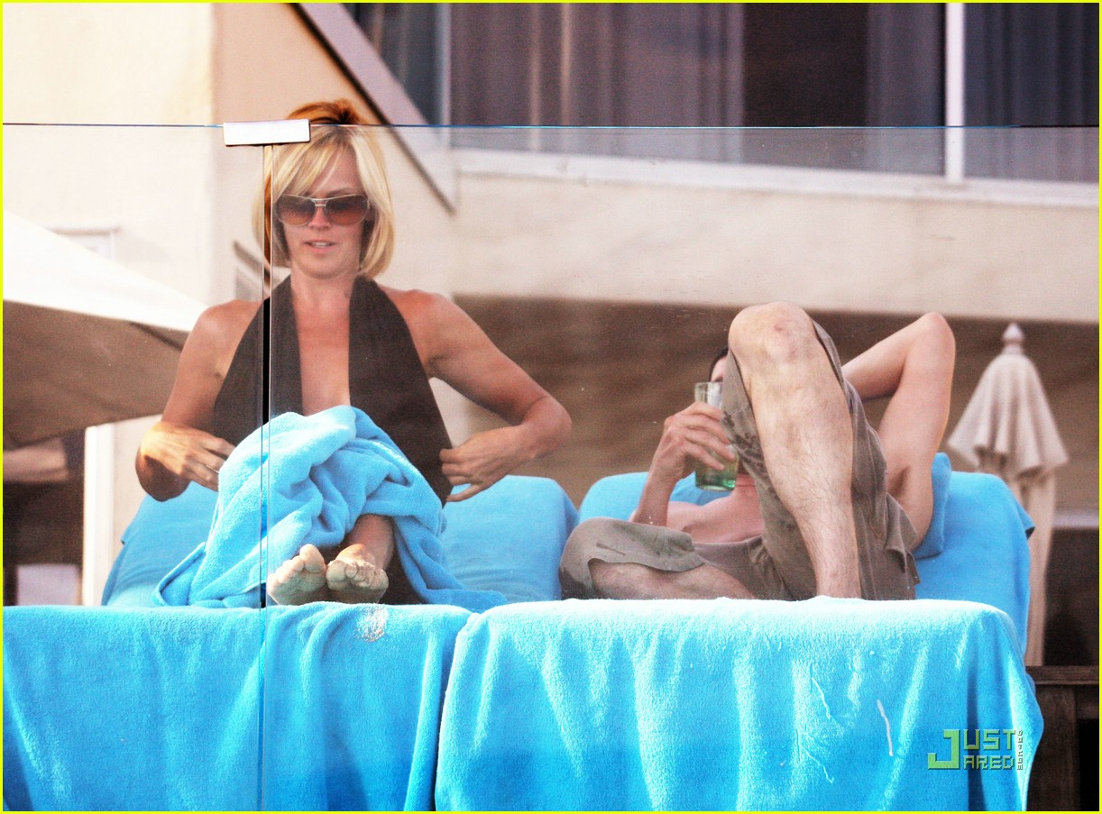 jim carrey jenny mccarthy same swimsuit 08