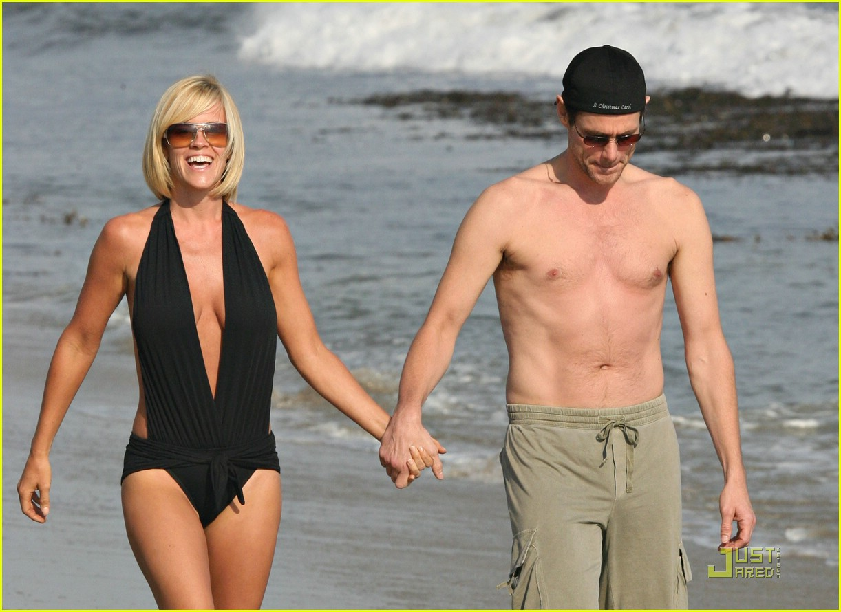jim carrey jenny mccarthy same swimsuit 13