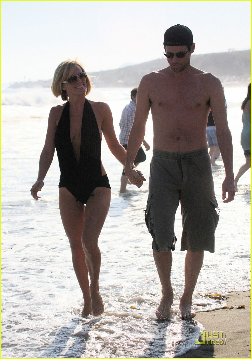 jim carrey jenny mccarthy same swimsuit 181250291