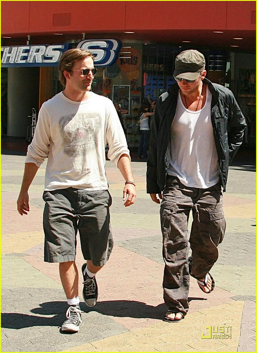 ryan phillippe breckin meyer 011298041