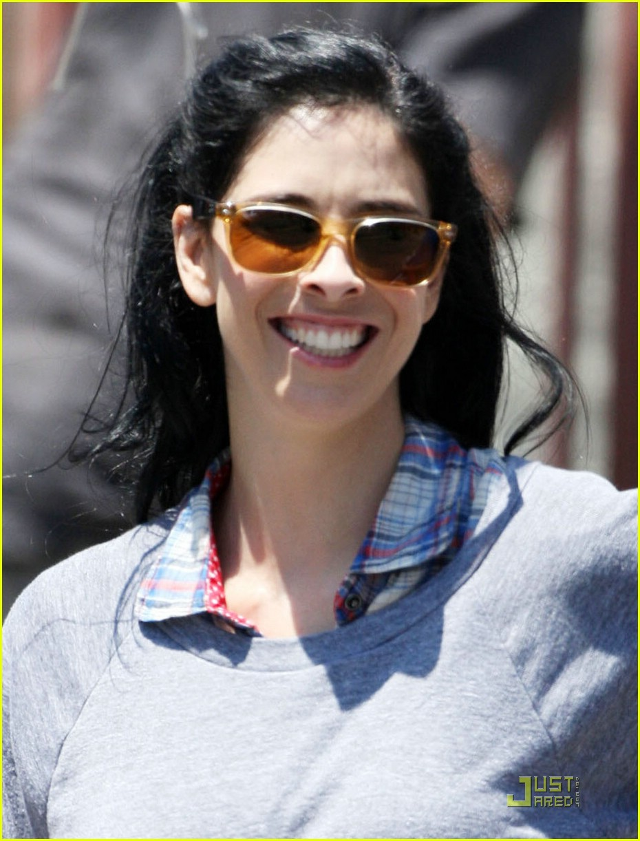 sarah silverman single smiling 06
