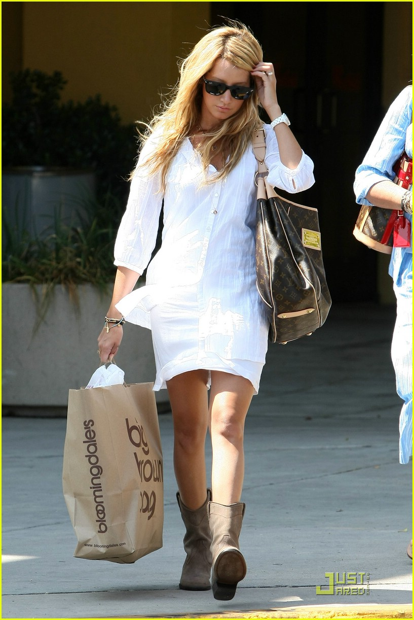 ashley tisdale blasts bloomingdales 021302411